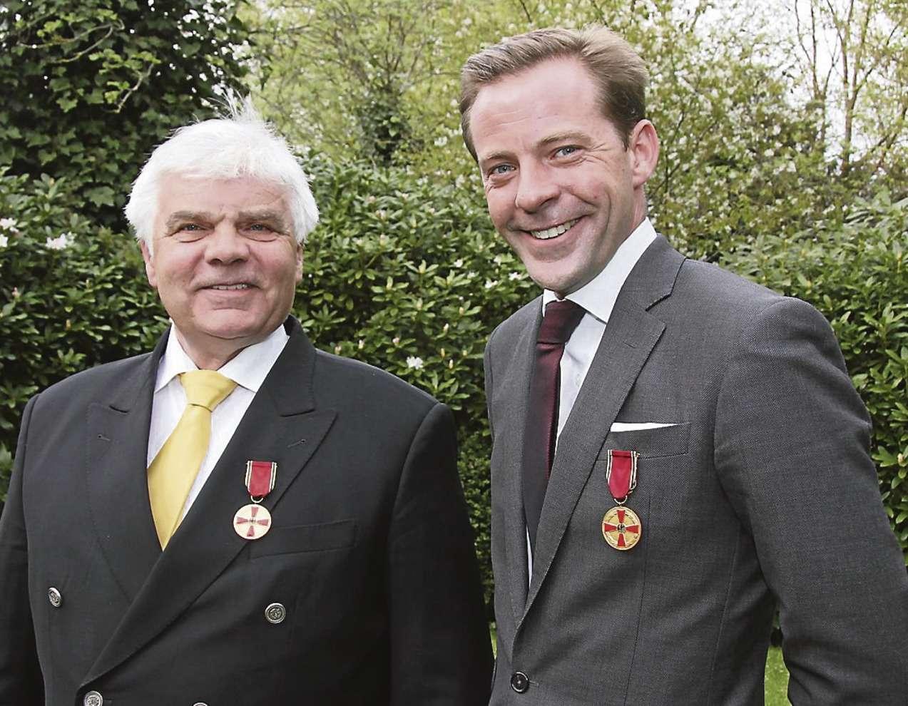Für ihr Engagement in Kenia erhielten Peter (links) und Oliver Drewes den Verdienstorden der Bundesrepublik Deutschland.