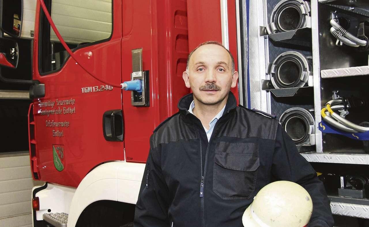 Oliver Große kümmert sich um den Nachwuchs der Botheler Brandschützer.