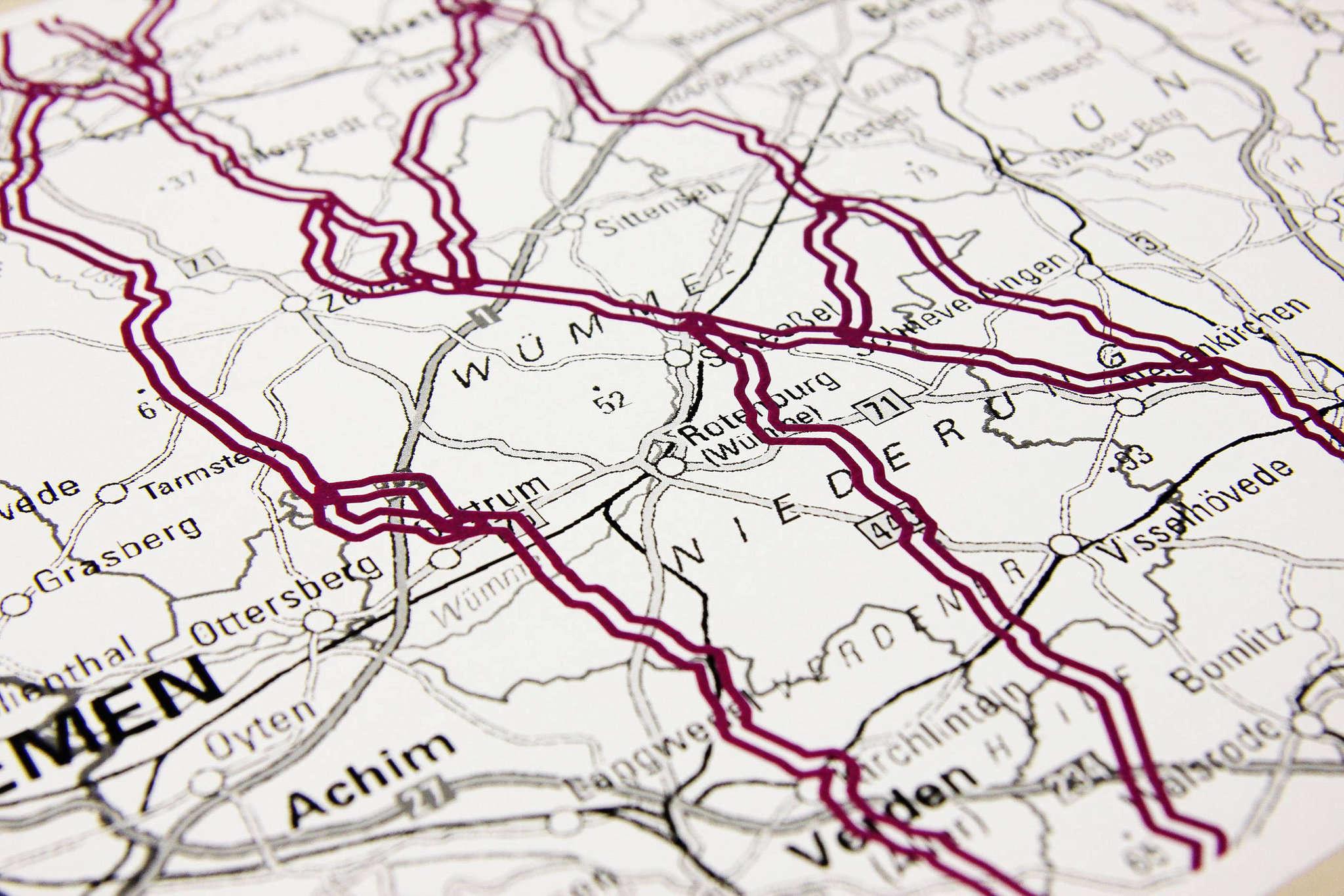 Zwei Trassenalternativen führen durch den Landkreis.