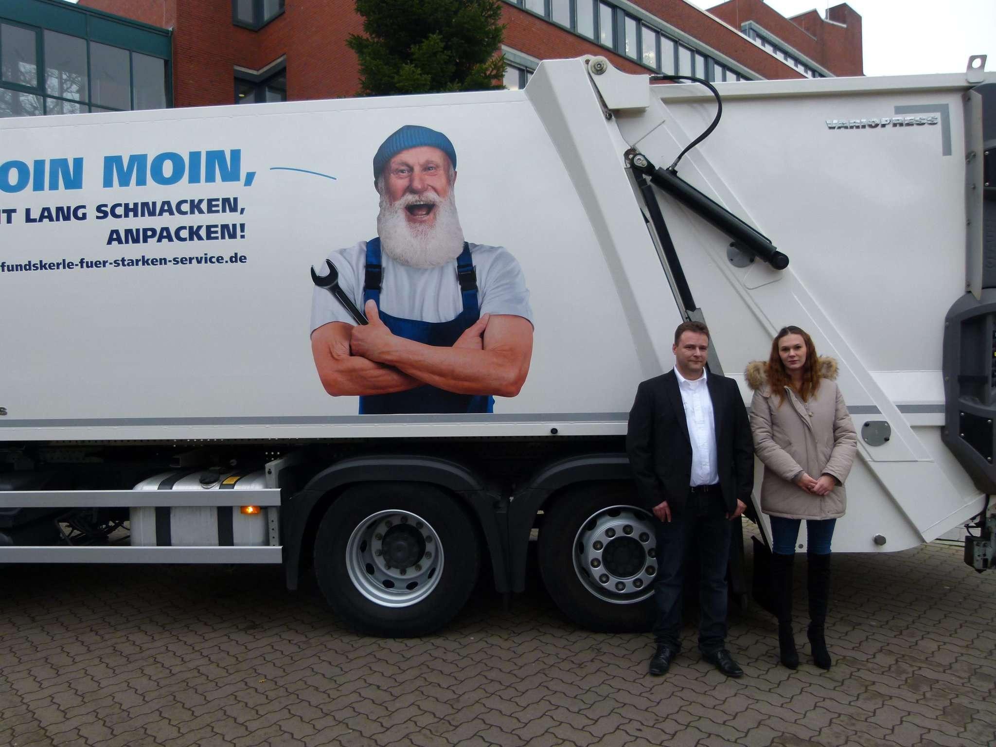 Geschäftsführer Michael Meißner und Angelique Subota von der Optisys sind die neuen Ansprechpartner für die Abholung der gelben Säcke im Landkreis Rotenburg.
