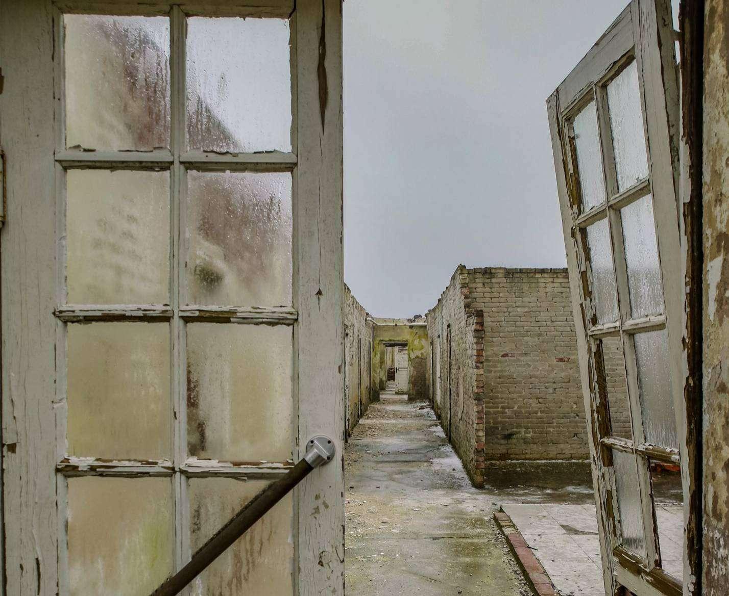 Bilder von Hochschulstudenten bieten neue Blickwinkel auf das ehemalige Kriegsgefangenenlager. Foto: Wenke Wollschläger