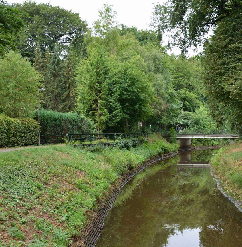 Die Wörpe bei Murkens Hof in Lilienthal hat den Charakter eines Kanals. Foto: Joachim Looks
