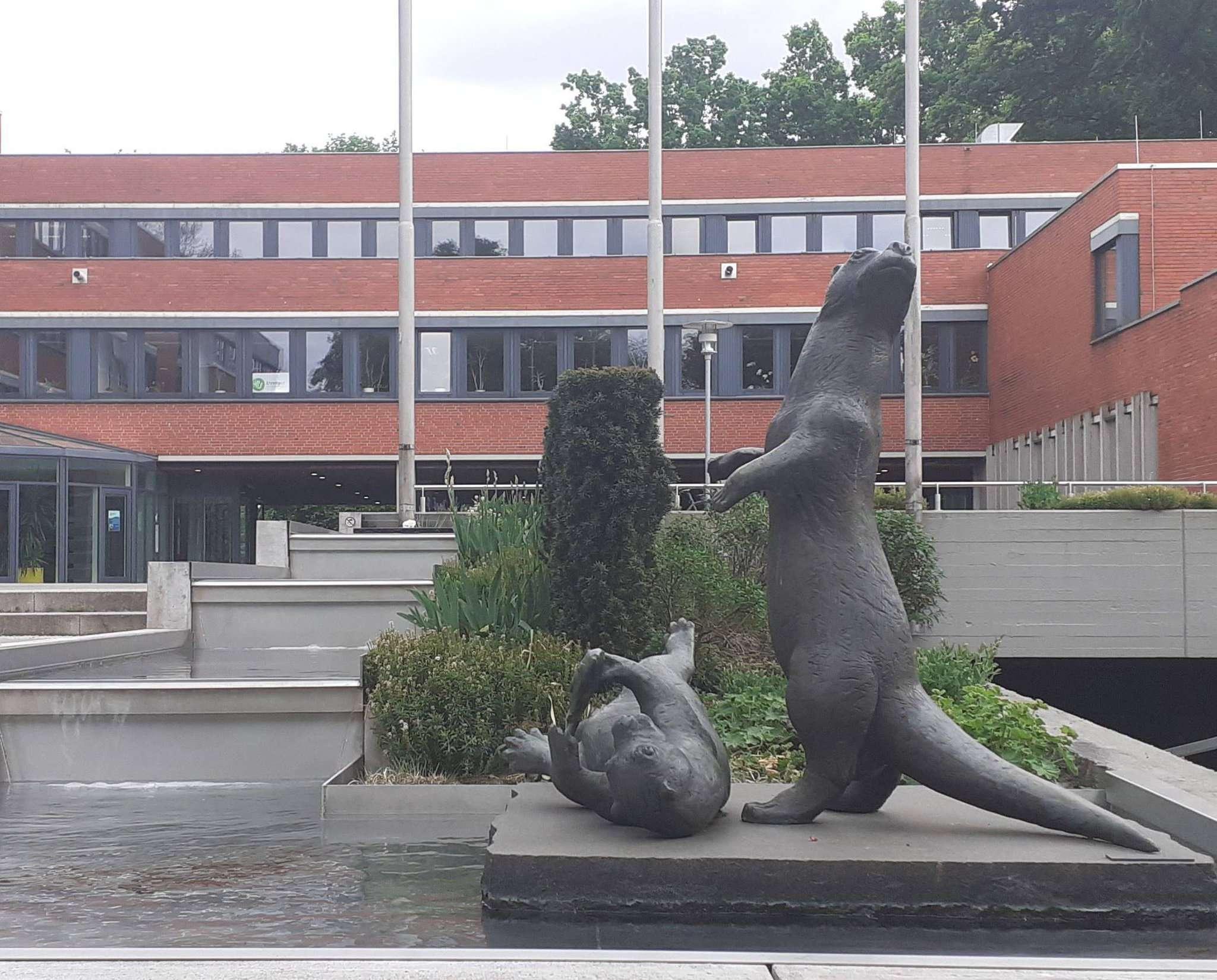 Das Kreishaus in Rotenburg: Die Verantwortlichen des Landkreises sehen die erste Corona-Welle als weitstgehend überstanden an. Foto: Jens Lou00ebs