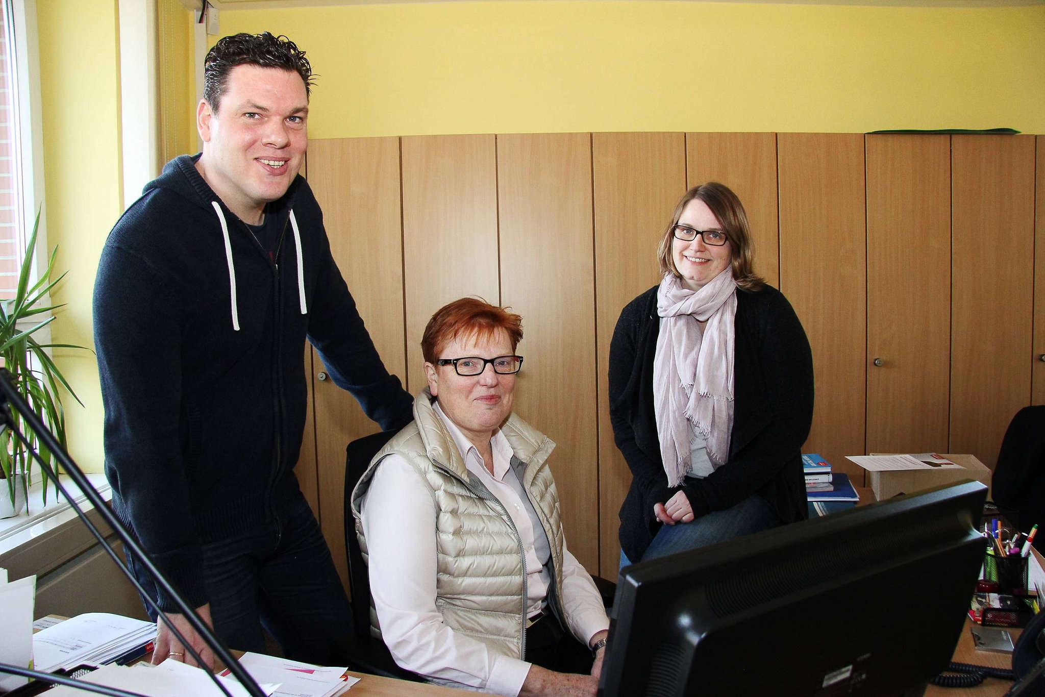 Meico Tijink, Annemarie Dollinger und Nicole Hövelmeyer ziehen für die Oberschule Bothel nach einem guten Dreitvierteljahr eine positive Bilanz. Foto: Nina Baucke