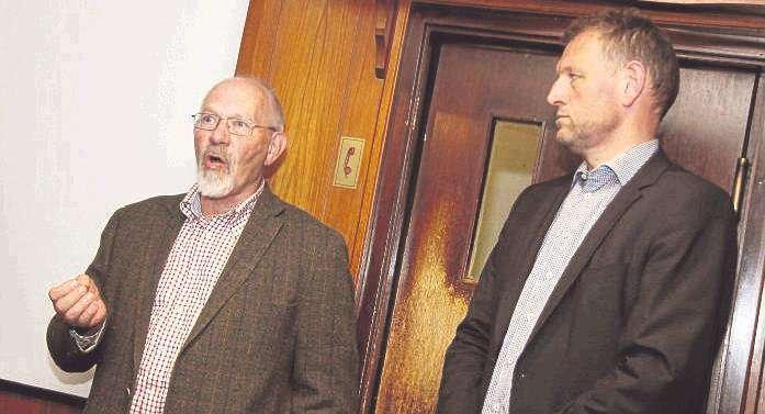 Hermann Kruse (links) und Volker Meyer beantworteten die Fragen der Botheler.
