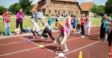 Grundschule am Trochel feiert SpaßOlympiade in Hemslingen