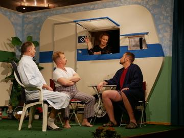 Theatergruppe Hemsbünde spekuliert auf dem Campingplatz  Von Karen Bennecke