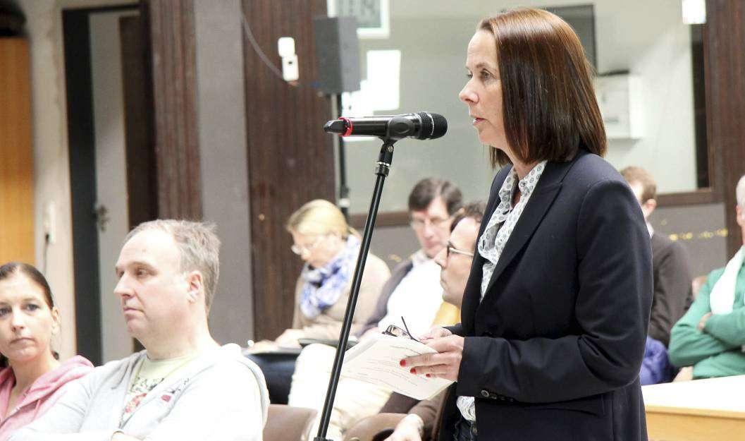 Carolin Muschter kritisierte die fehlende Umweltverträglichkeitsprüfung. Foto: Nina Baucke