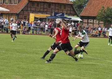 WerderProfi Philipp Bargfrede zu Gast beim Pokalfinale in Hemslingen