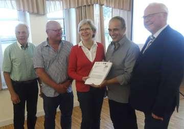 Antrag zur Dorfverbundplanung unterschrieben  Von Henning Leeske