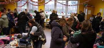 Botheler Kleiderbörse freut sich über Besucheransturm  Von Janila Dierks