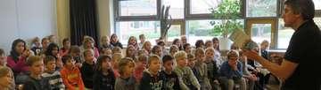Bassen Autor Josef Koller zieht Schüler in seinen Bann