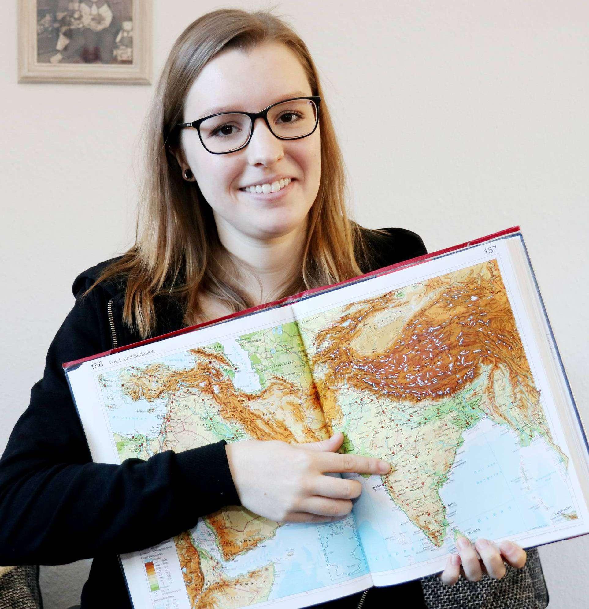 Lena Henke will für fast ein Jahr ihre Heimat Kirchwalsede und ihren Studienort Hildesheim gegen eine Stadt im Süden Indiens tauschen. Foto: Nina Baucke