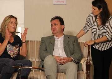 Theatergruppe Wensebrock erlebt umjubelte Premiere  Von Henning Leeske