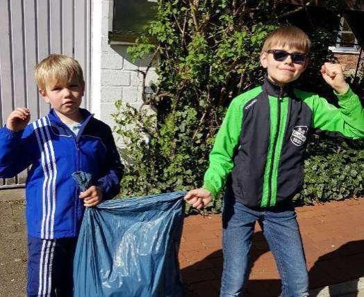 Der Nachwuchs der Familie Bremer war beim Plogging aktiv.