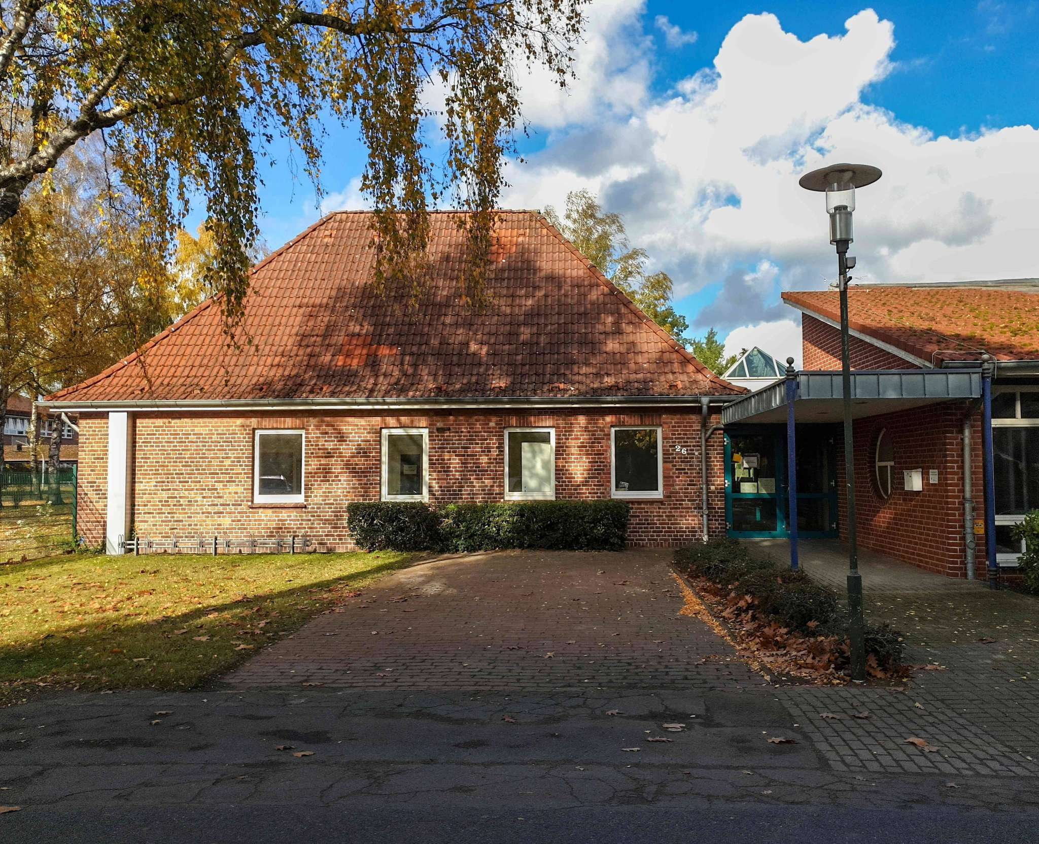 Aus dem Altbau des ehemaligen Kindergartens könnte eine Polizeistation werden. Foto: Tobias Woelki