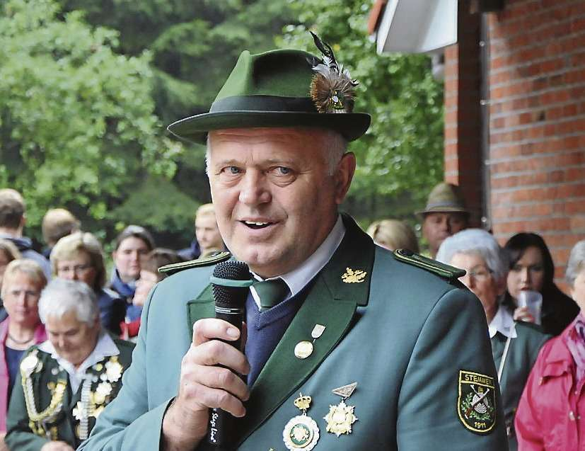 Stemmens Bürgermeister Reinhard Trau hielt die Ernterede und fand dabei auch ein paar ernste Worte über die Situation der Landwirte.