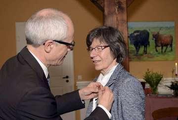 Gräfin Barbara von Bothmer erhält Bundesverdienstkreuz