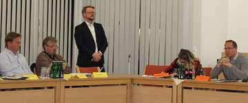 Schulausschuss debattiert Erweiterung der Grundschule  Von AnnChristin Beims