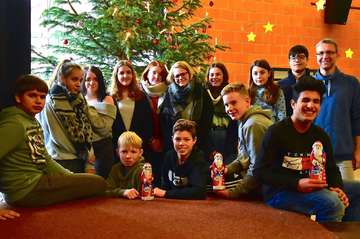 Schüler tun Gutes mit einer Nikolausaktion der Fintauschule