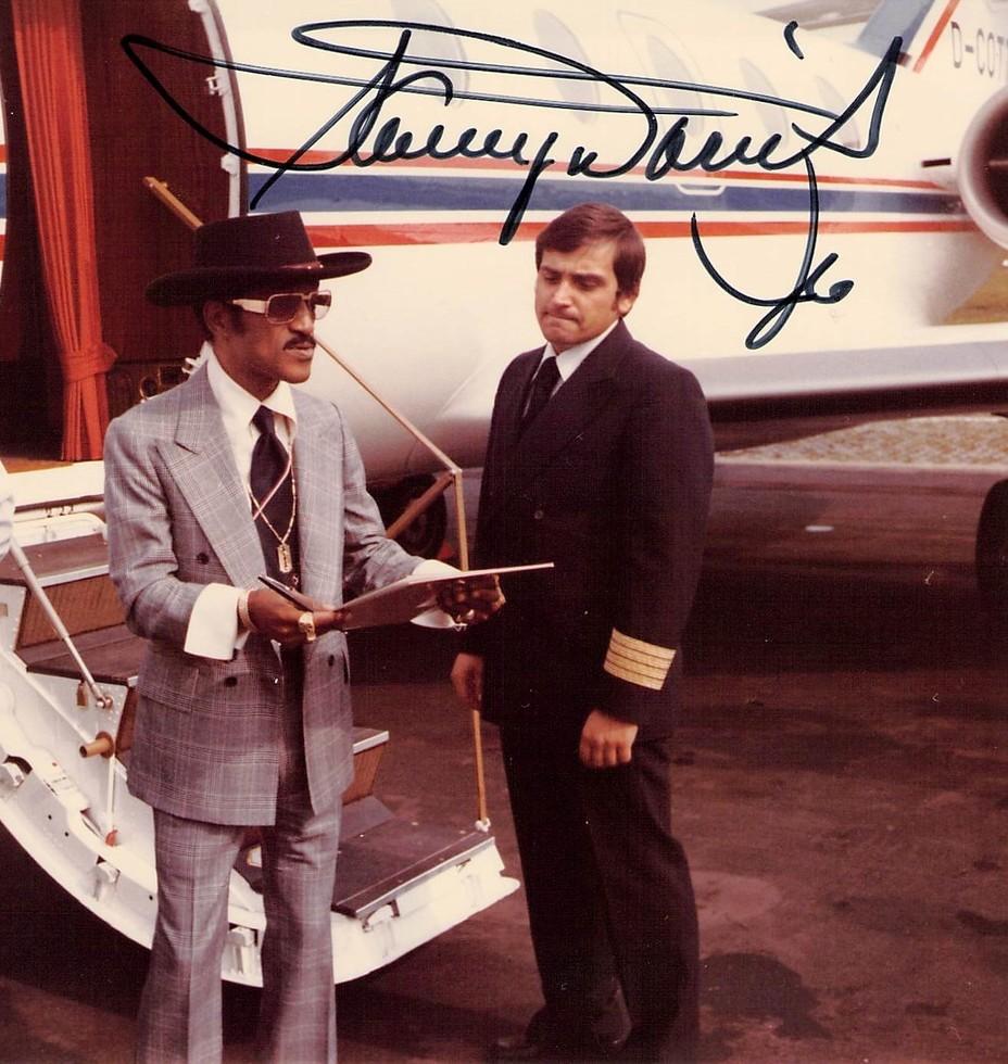 Hans-Jürgen Schnellrieder hatte sogar einmal Sammy Davis Junior an Bord.