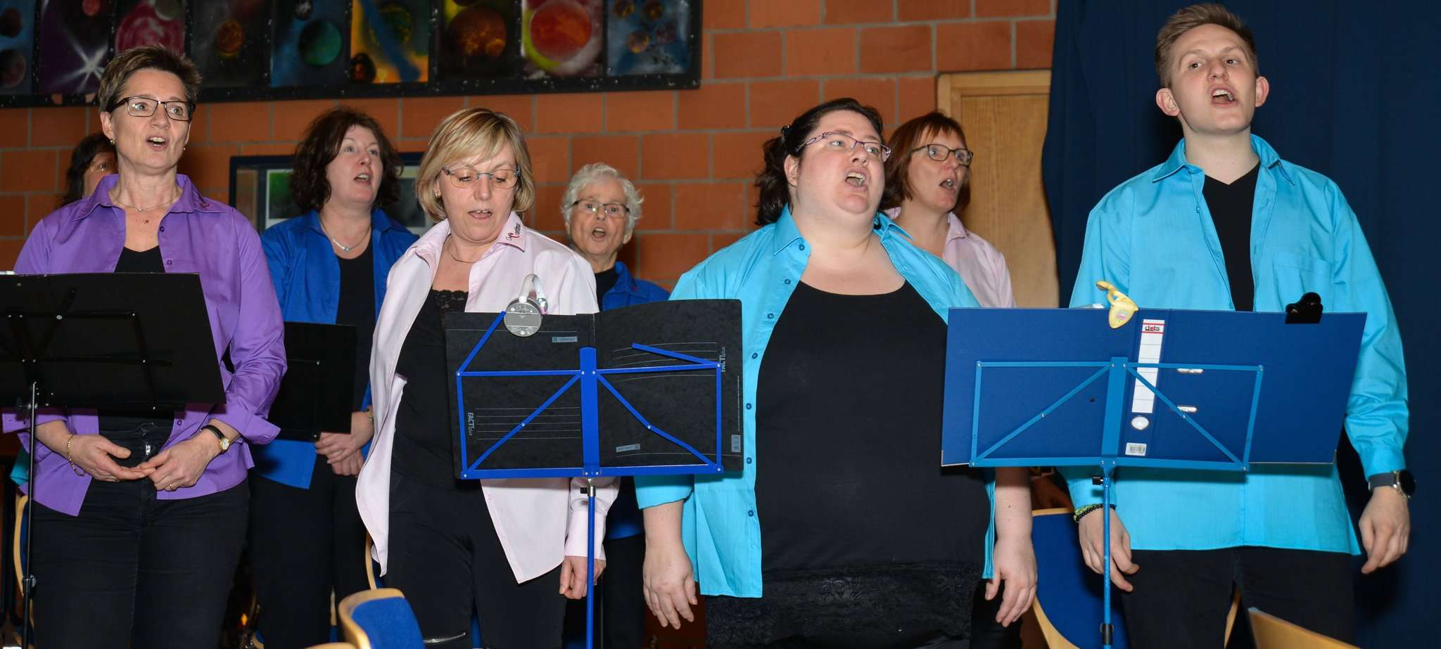 Der Chor Continuo unterstützt die Lauenbrücker bei Gesangseinlagen.