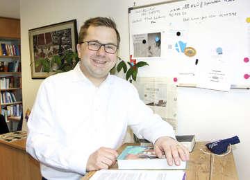 Pastor Matthias Richter arbeitet mit Hingabe und Begeisterung im Diakonieklinikum  Von Andrea Winterhalter