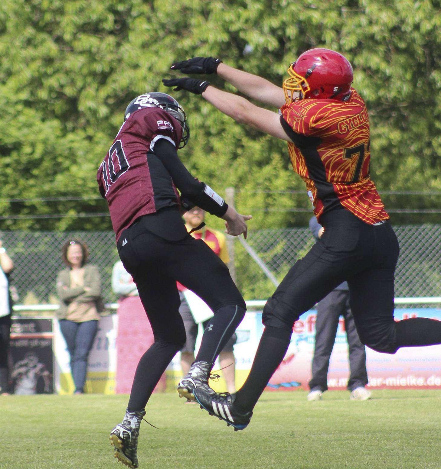 Einige Football-Spiele stehen an. Foto: Holger Adam