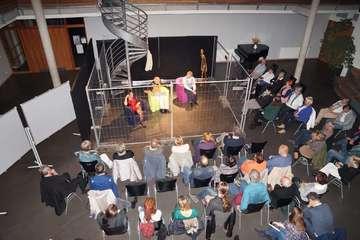 Kleines Ensemble begeistert mit Geschlossener Gesellschaft