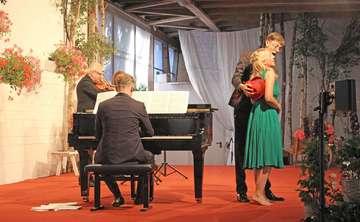 18 Oper  Operette auf dem Bauernhof in Waffensen voller Erfolg  Von Henning Leeske