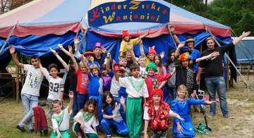 Kinder schnuppern in das Zirkusleben hinein