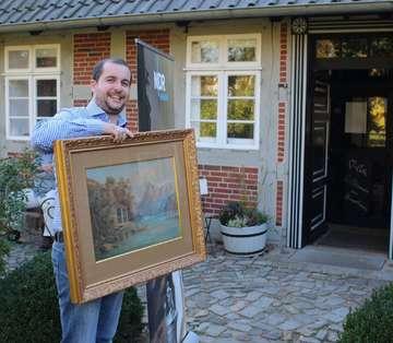 RundschauMitarbeiter Henning Leeske hofft auf großen Coup bei Lieb  teuer im Heimathaus  Von Henning Leeske