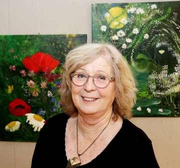 Edith Scholz zeigt ihre Bilder im Mehrgenerationenhaus  Von Nina Baucke