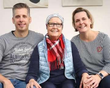 Wunschbox Die an Krebs erkrankte Renate Meyer möchte ihr Lieblingstier treffen  Von Dennis Bartz