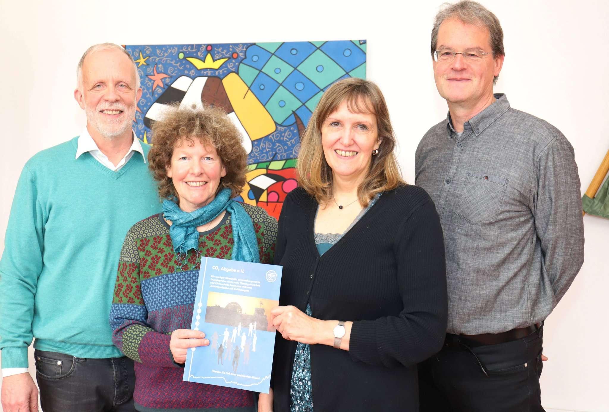 Christoph Dembowski (von links), Elisabeth Dembowski, Andrea Rieß und Ekkehard von Hoyningen-Huene laden für den 22. Januar zu einer Info-Veranstaltung ein.