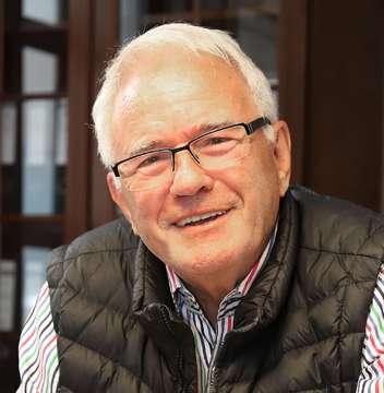 Rat der Stadt Rotenburg nimmt Spende von Rolf Ludwig an  Von Dennis Bartz