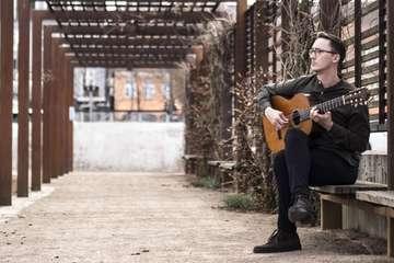 Zevener Gitarrenwoche präsentiert dänischen Solisten