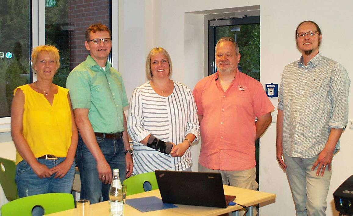 Regina Schütz (von links), Cornell Nordt, Marje Grafe, Hans Bonhof und Sven Thiemer kämpfen für die Oberstufe an der IGS in Rotenburg.