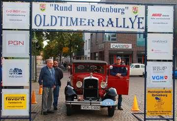 32 Oldtimer starten zur Ausfahrt Rund um Rotenburg