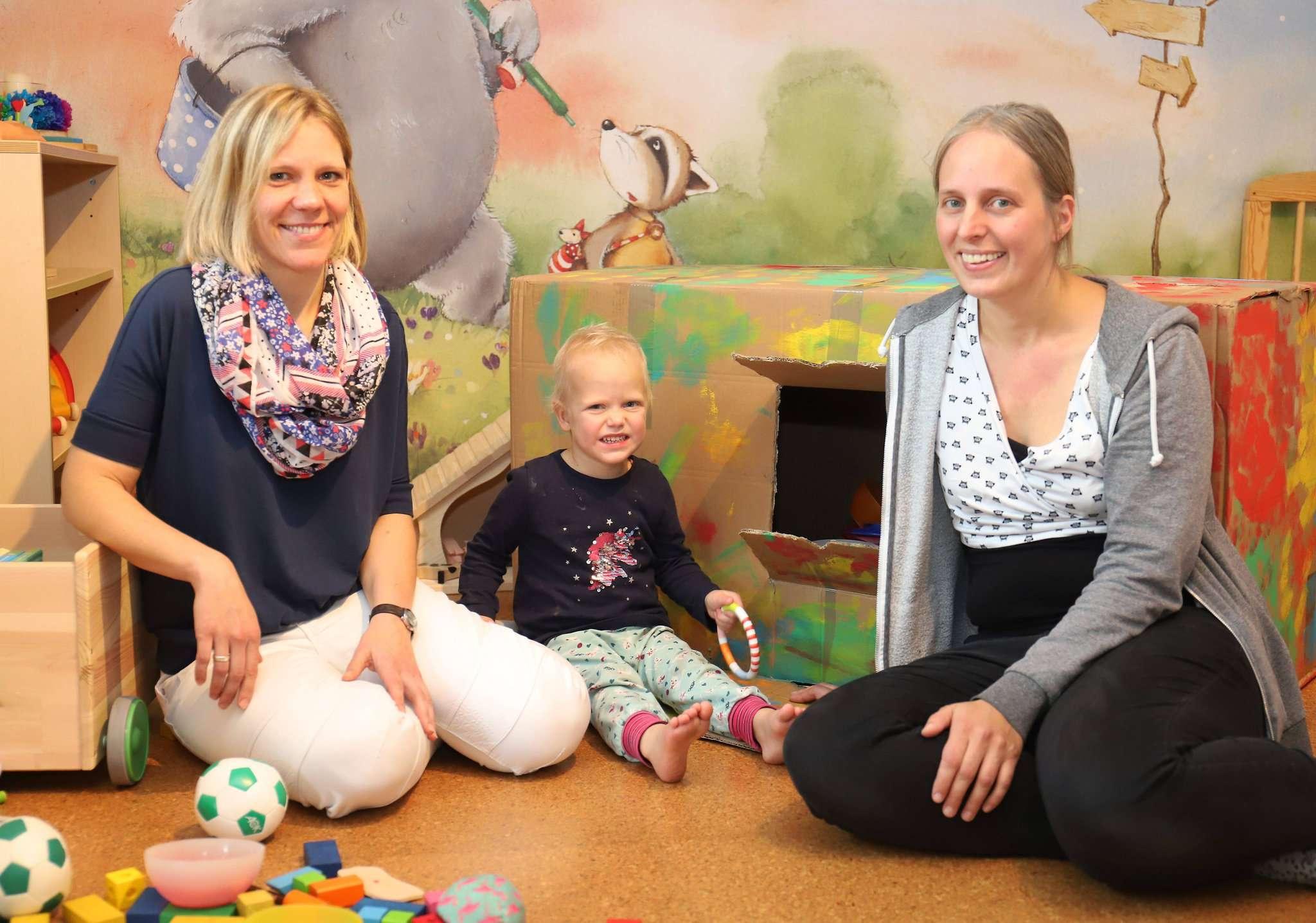 Sandra Biendara-Klindworth (links) und Kirsi Lindemann sind die Sprecherinnen der Regionalgruppe der Berufsvereinigung der Kindertagespflegepersonen.