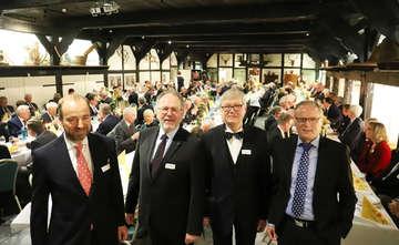 Gäste gehen bei Niedersächsischer Tafelrunde auf Distanz  Von Dennis Bartz