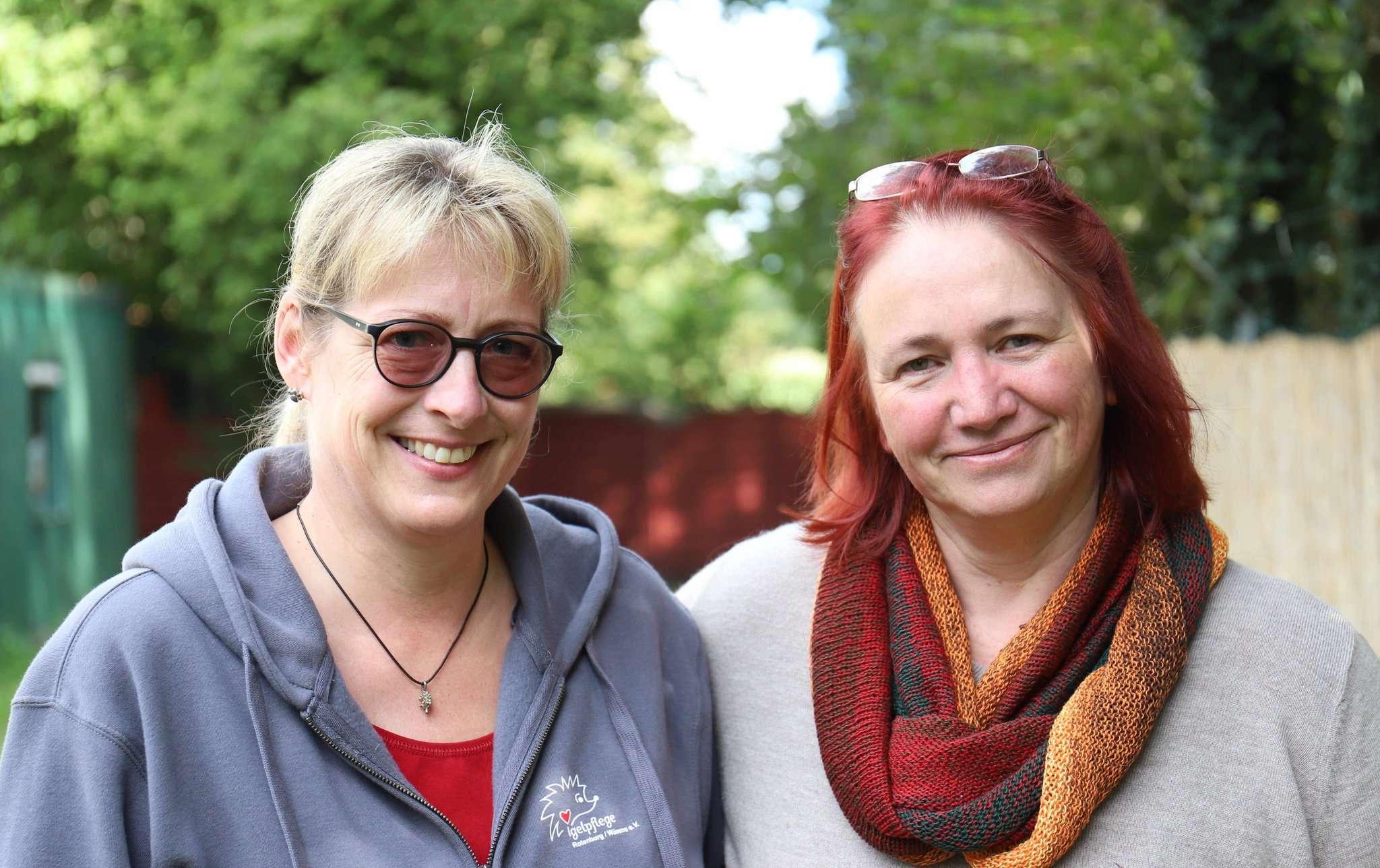 Merwel Otto-Link (links) von der Igelpflege Rotenburg und Silke Wingen vom Tierschutzverein für den Landkreis Rotenburg gründen eine Jugendgruppe.