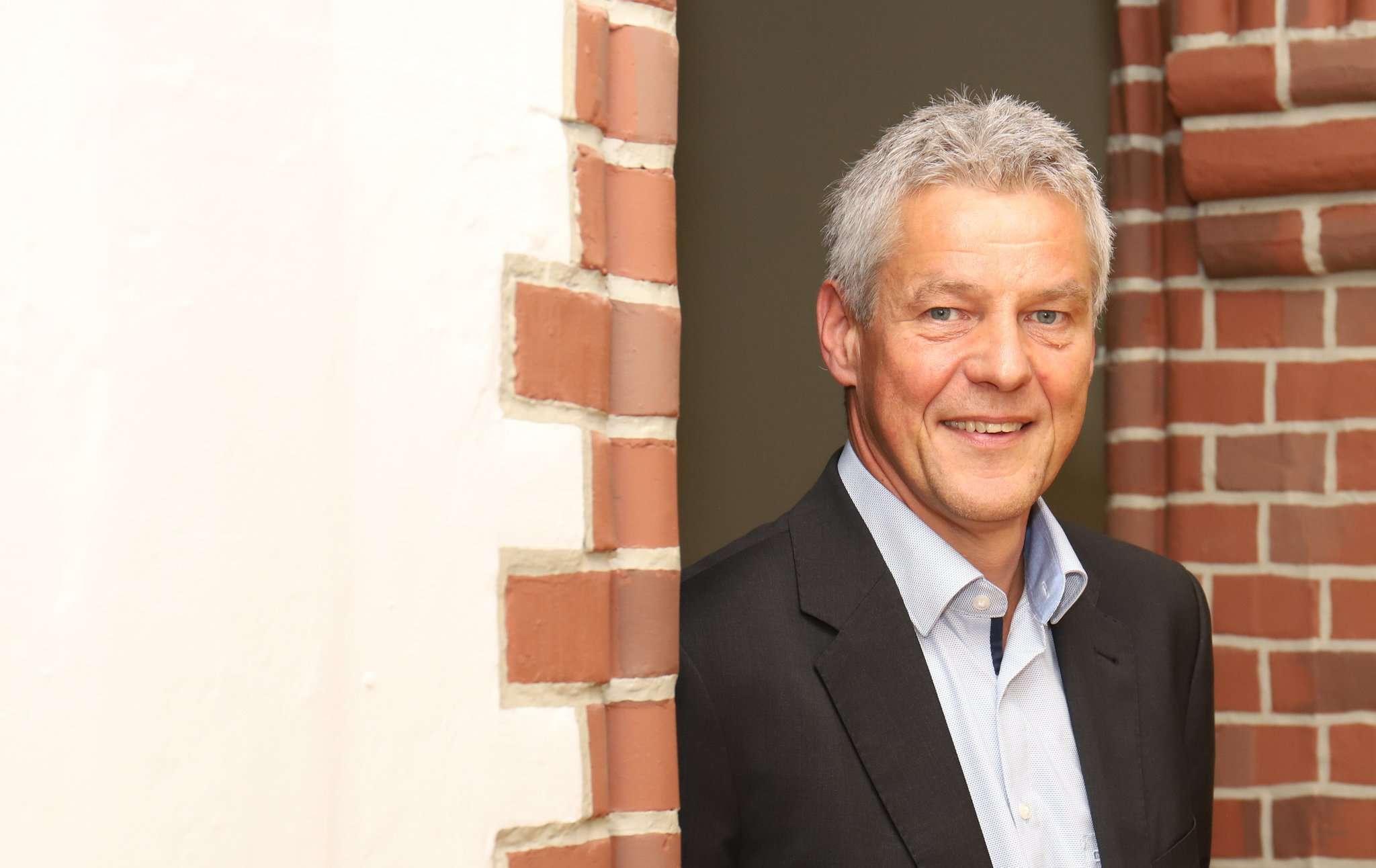 Torsten Oestmann ist Chef der Polizei in Rotenburg. Doch für den Bürgermeisterposten würde er die Uniform an den Nagel hängen.