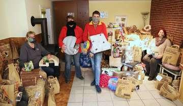 Kunden des Futterhauses spenden Futter und Spielzeug