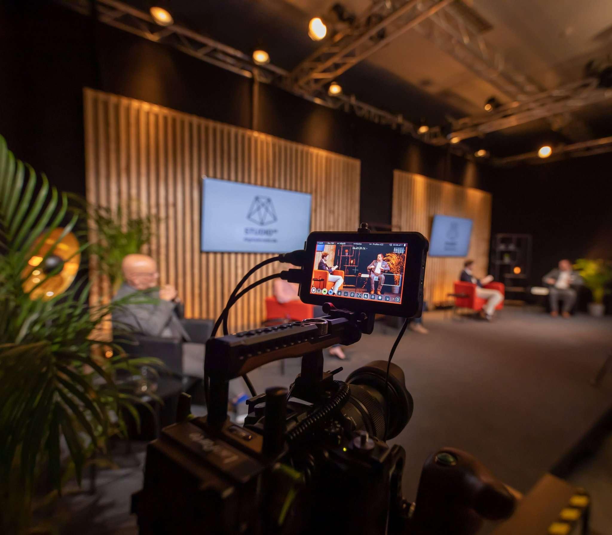 Das Fernsehstudio inmitten des Gewerbegebiets Hohenesch soll auch in den kommenden Monaten Liveübertragungen von Events ermöglichen.