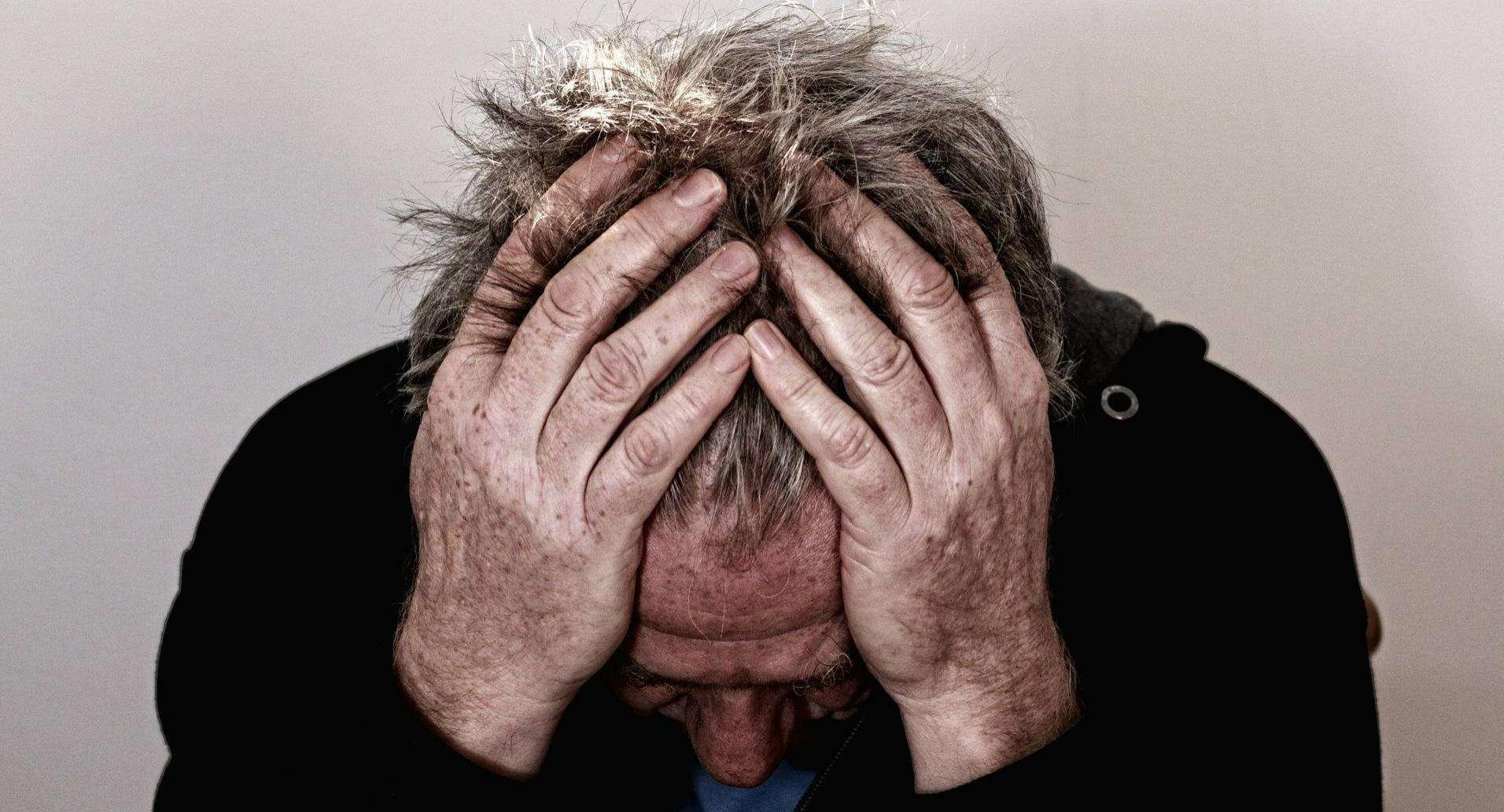 Clusterkopfschmerzen gehören zu den stärksten Schmerzen, von denen man betroffen sein kann. Foto: Gerd Altmann auf Pixabay