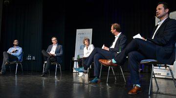 Kommunalwahl Podiumsdiskussion mit fünf Kandidaten  VON NINA BAUCKE