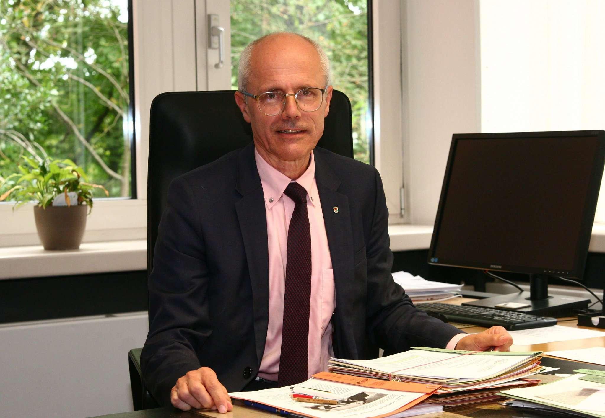 Das Büro im Kreishaus wird Hermann Luttmann für seinen Nachfolger Marco Prietz noch freiräumen. In gut einem Monat erfolgt die Amtsübergabe. Foto: Krüger