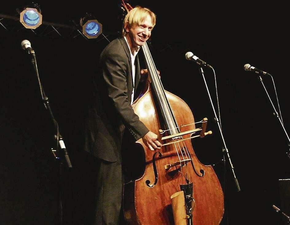 Reinhard Röhrs nimmt die Besucher mit auf eine Reise in die Gedankenwelt eines Musikers.