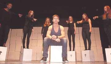 Eichenschüler treten mit eigenem Theaterstück ab Montag auf